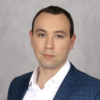 Максим Лушников